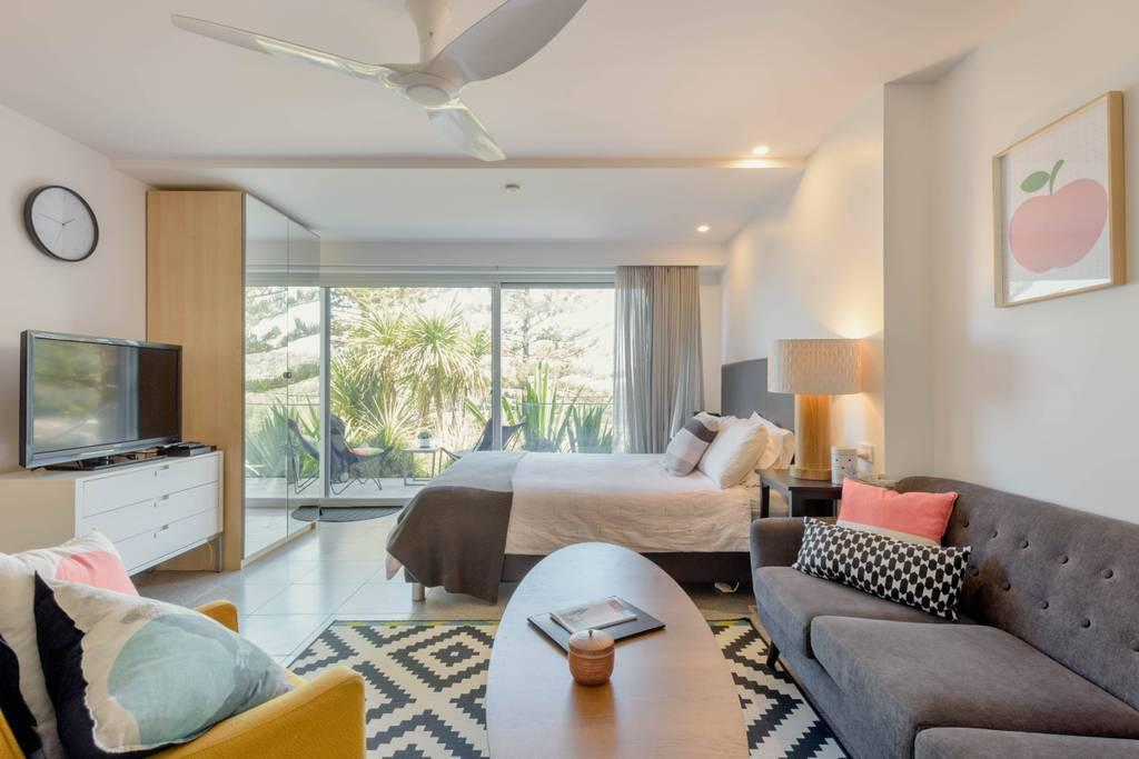 Scandi Beach apartment - Redcliffe Tourism