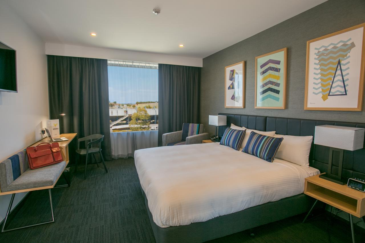 Alpha Hotel Eastern Creek - Redcliffe Tourism