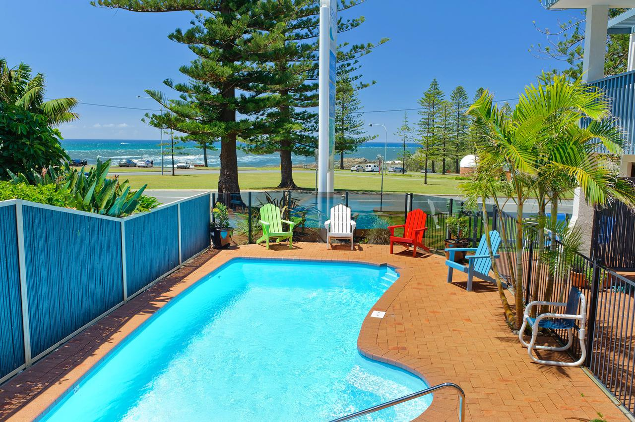 Beach House Holiday Apartments - Redcliffe Tourism