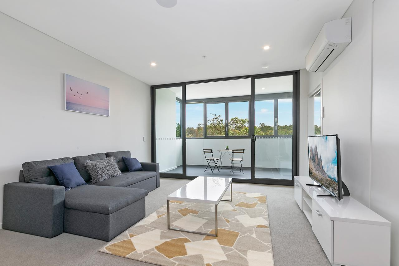 Stylish and Neat two bed apartment in Wentworth Point - Redcliffe Tourism