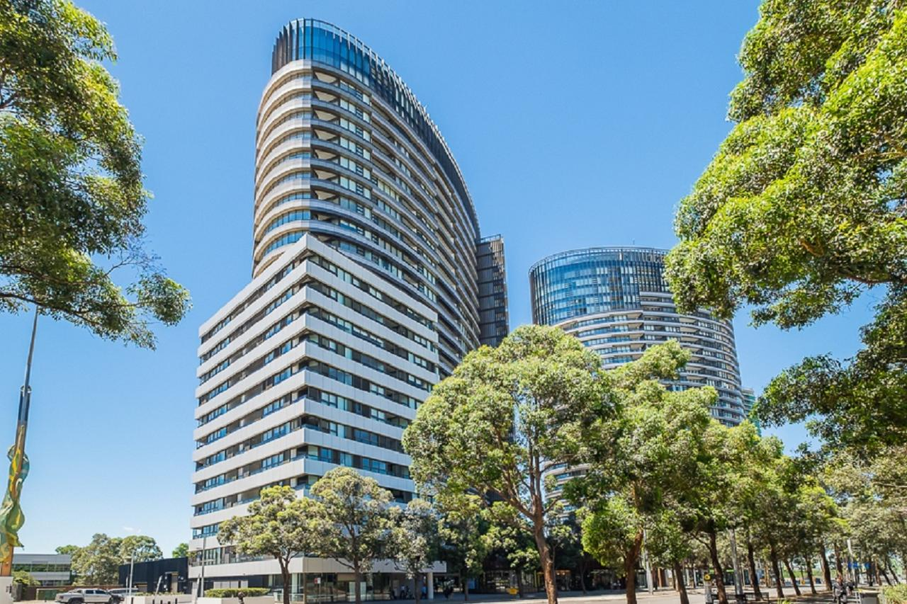 Australian Tower Stay - Redcliffe Tourism
