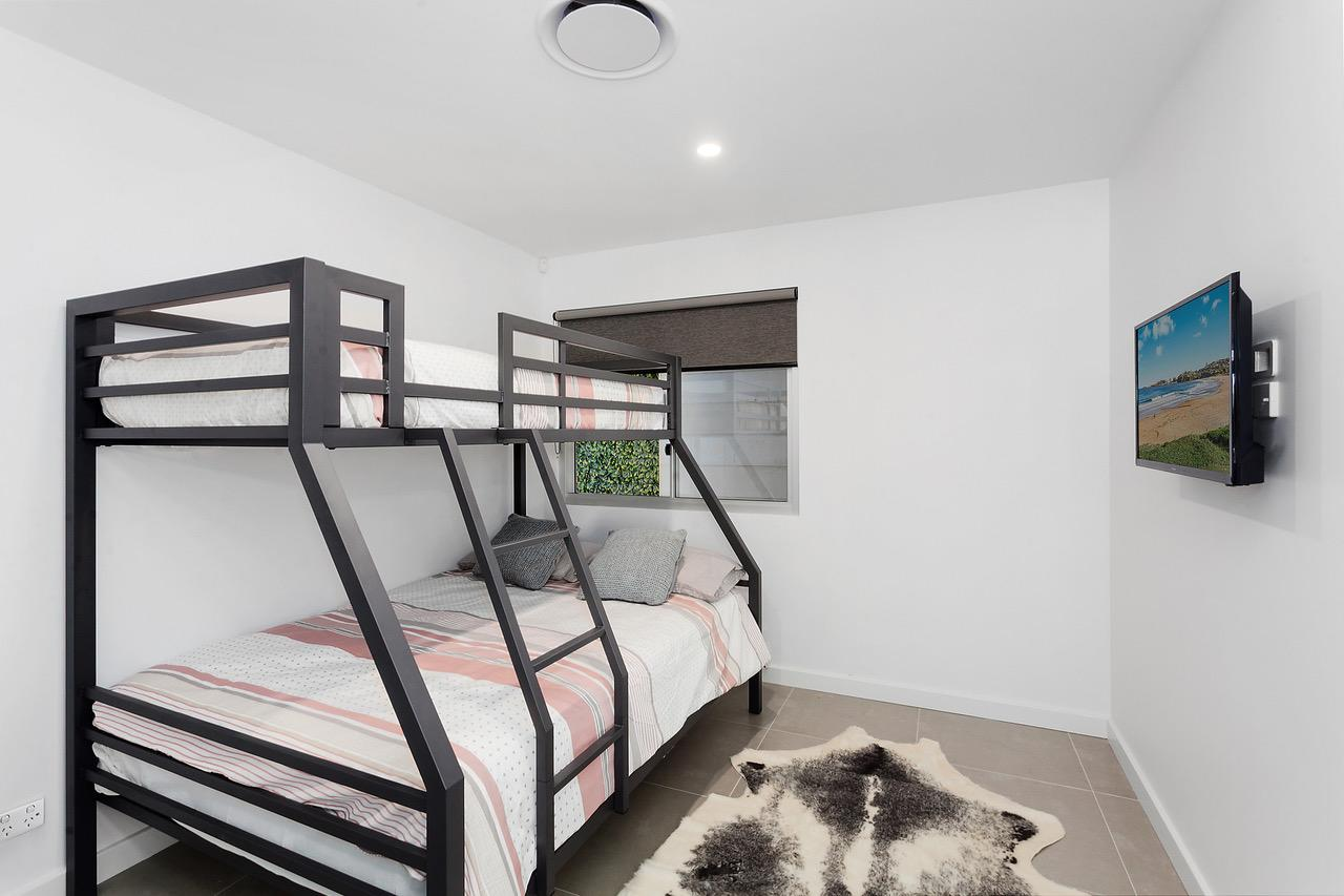 Modern guest house - Redcliffe Tourism