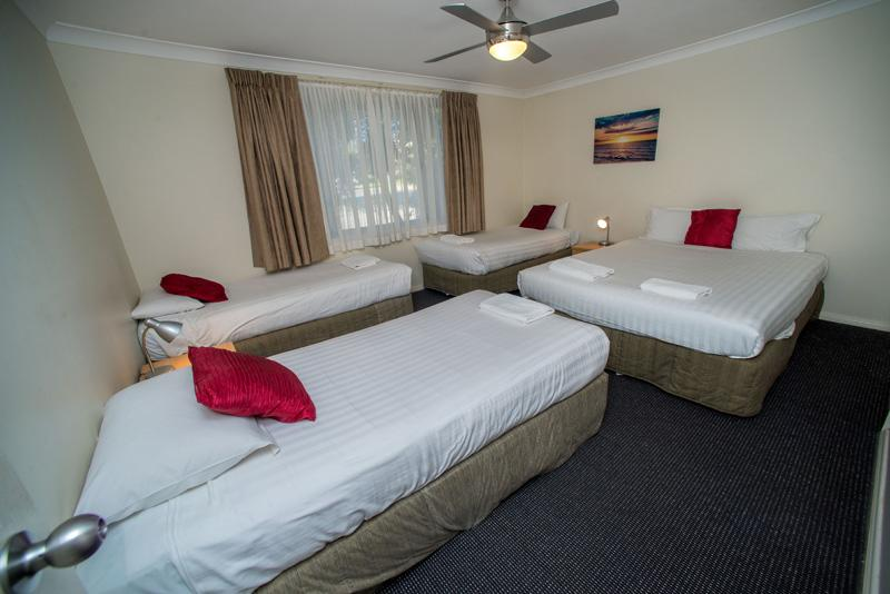 Beaches Serviced Apartments - Redcliffe Tourism