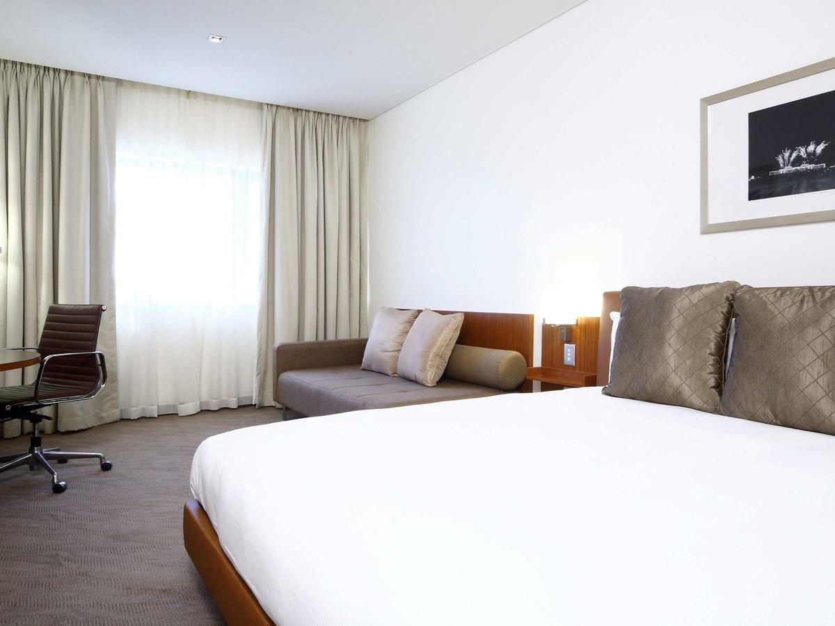 Novotel Canberra - Redcliffe Tourism