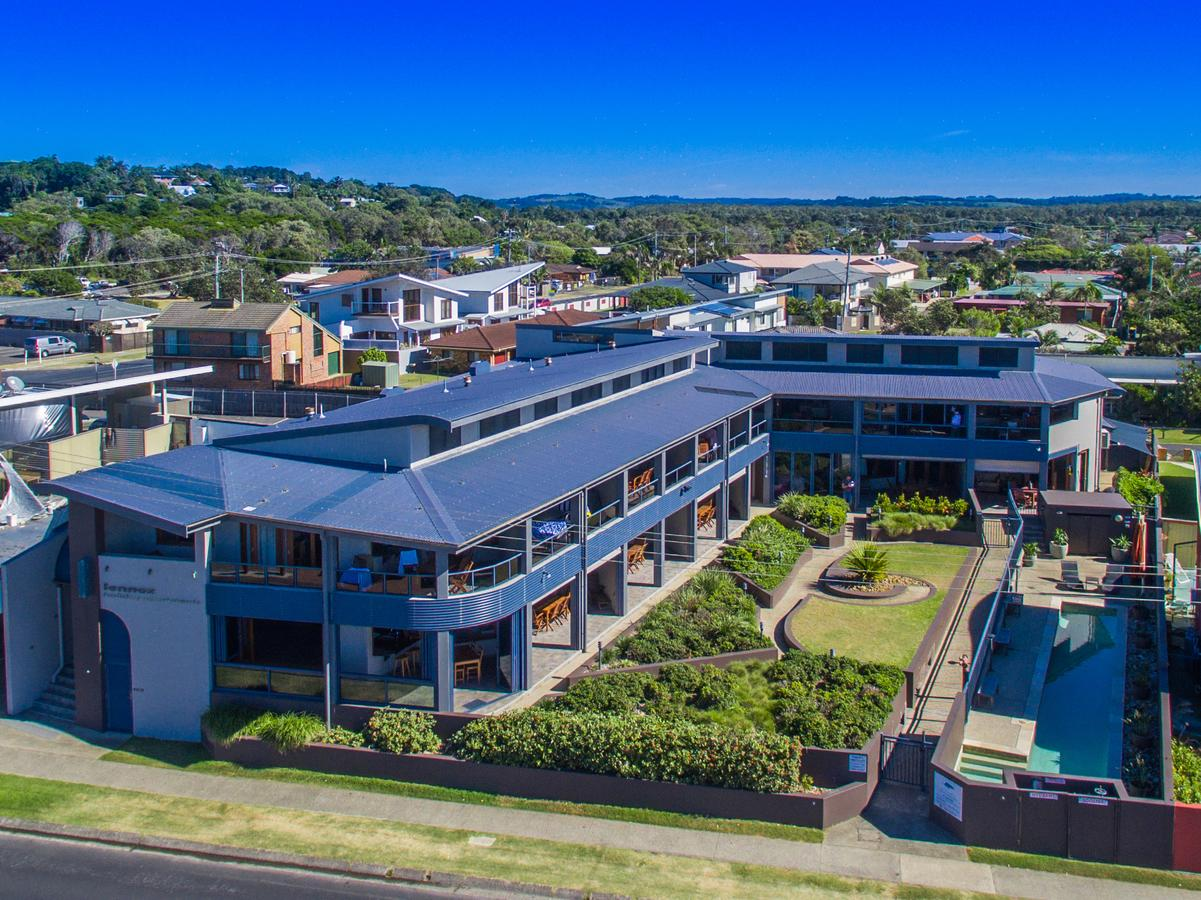 Lennox Holiday Apartments - Redcliffe Tourism