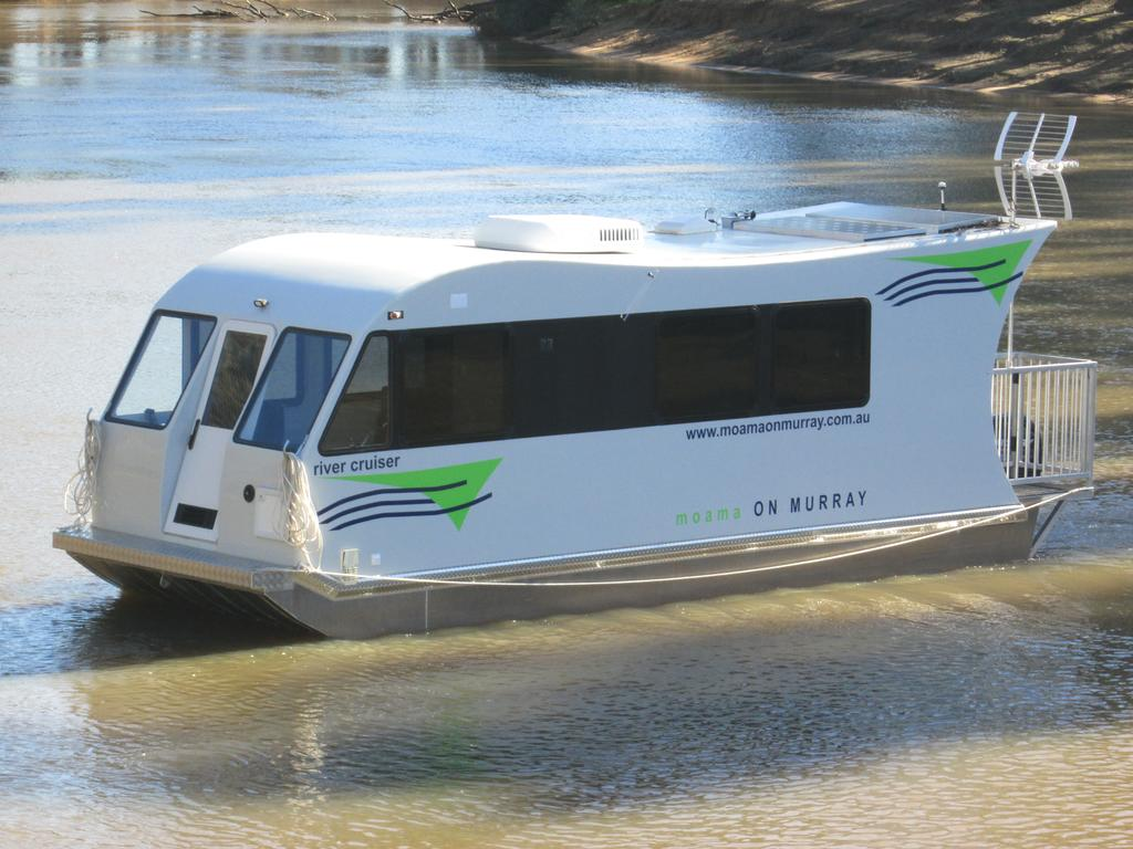 Moama on Murray Houseboats - Redcliffe Tourism