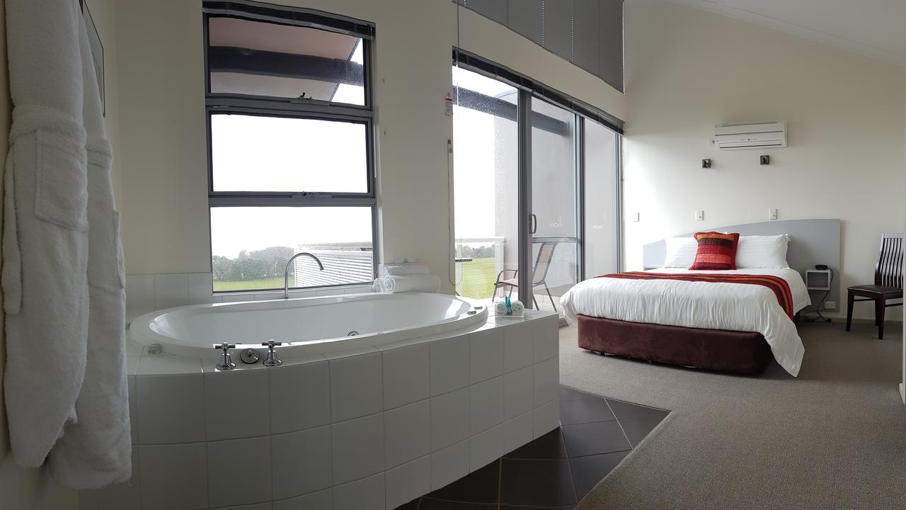 Cosy Corner Sea View Apartments - Redcliffe Tourism