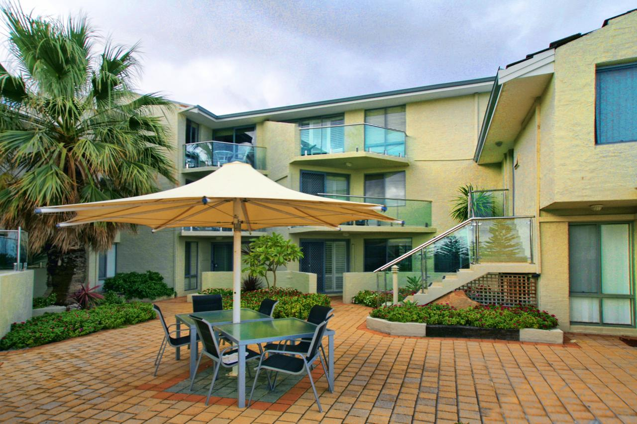 Scarborough Beach Front Resort - Shell Ten - Redcliffe Tourism