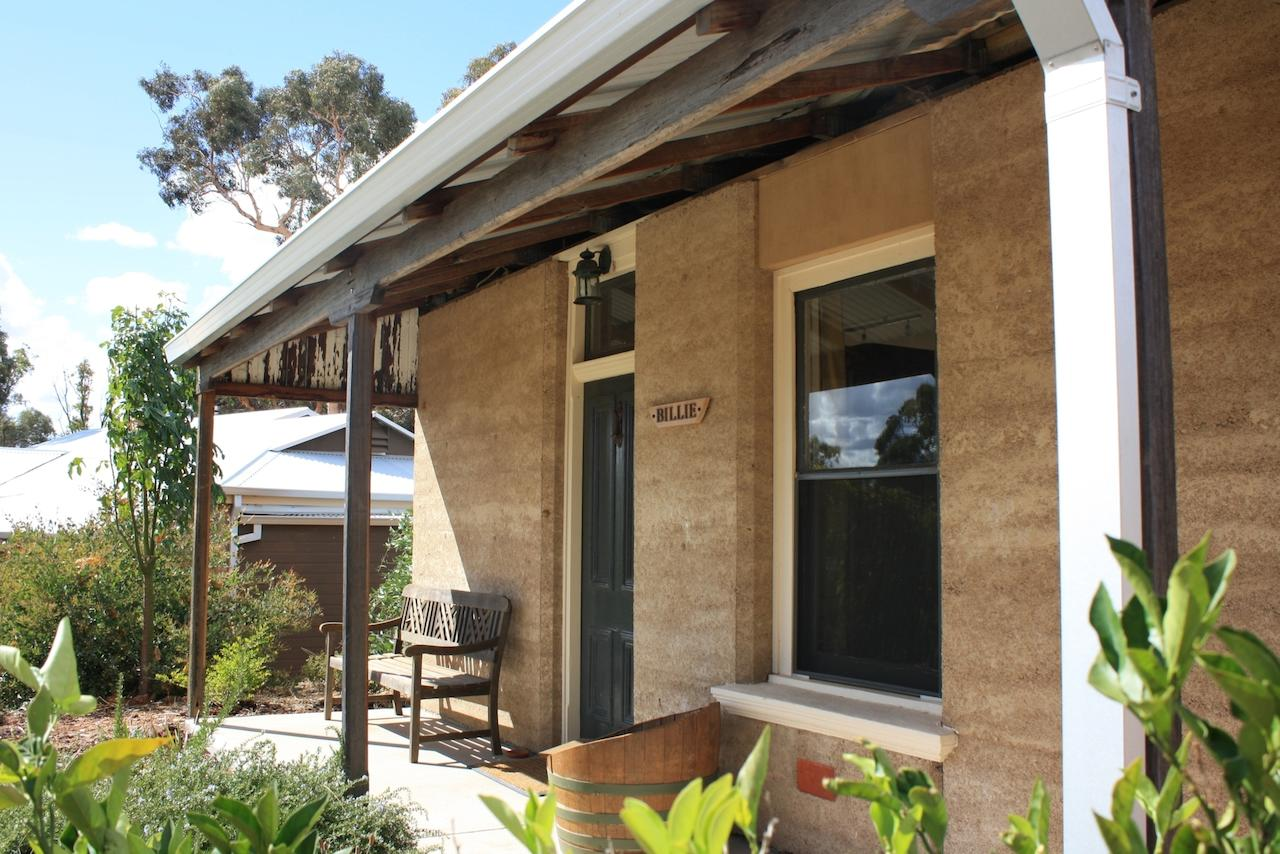 Hotham Ridge Winery and Cottages - Redcliffe Tourism