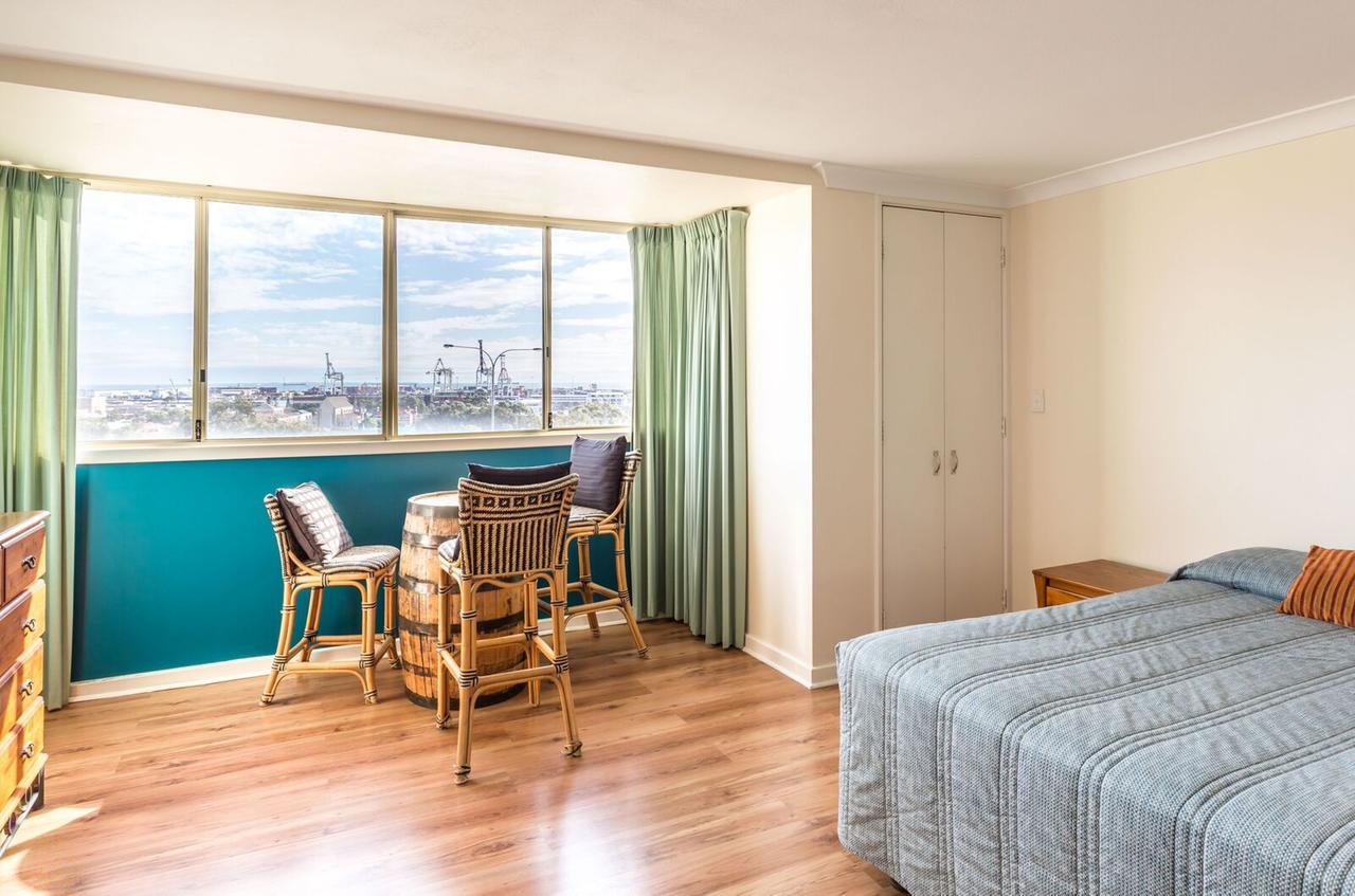 Studio 208 with ocean views - Redcliffe Tourism