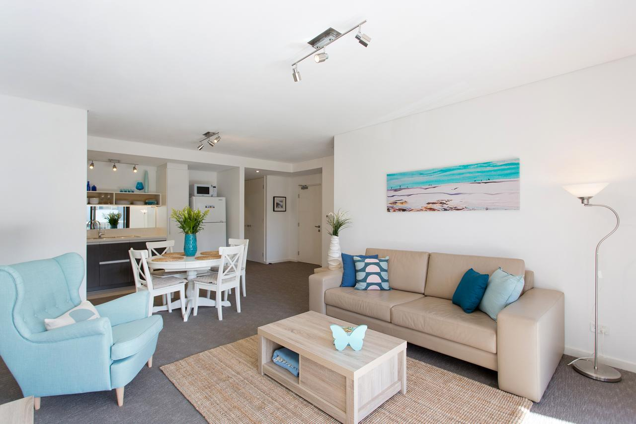 Beachside Living - South Fremantle - Redcliffe Tourism