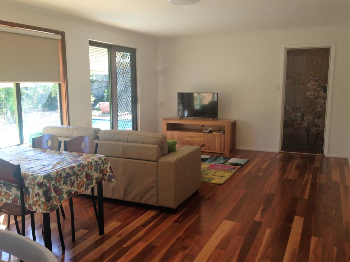 Lemon Tree Lodge - Redcliffe Tourism