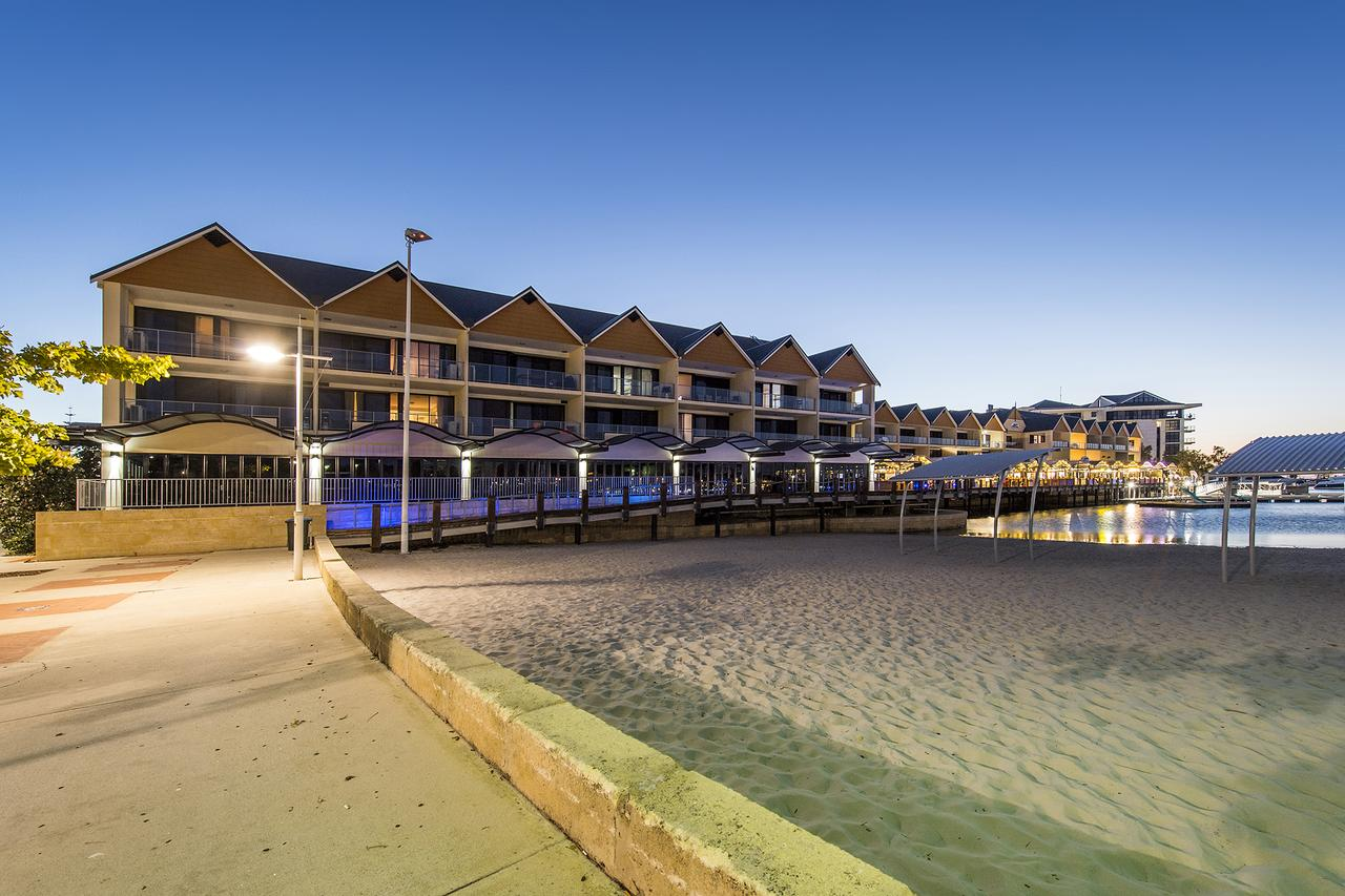 Dolphin Quay Apartments - Redcliffe Tourism