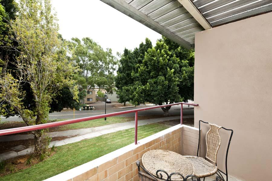 Cunningham Terrace 8 - Redcliffe Tourism