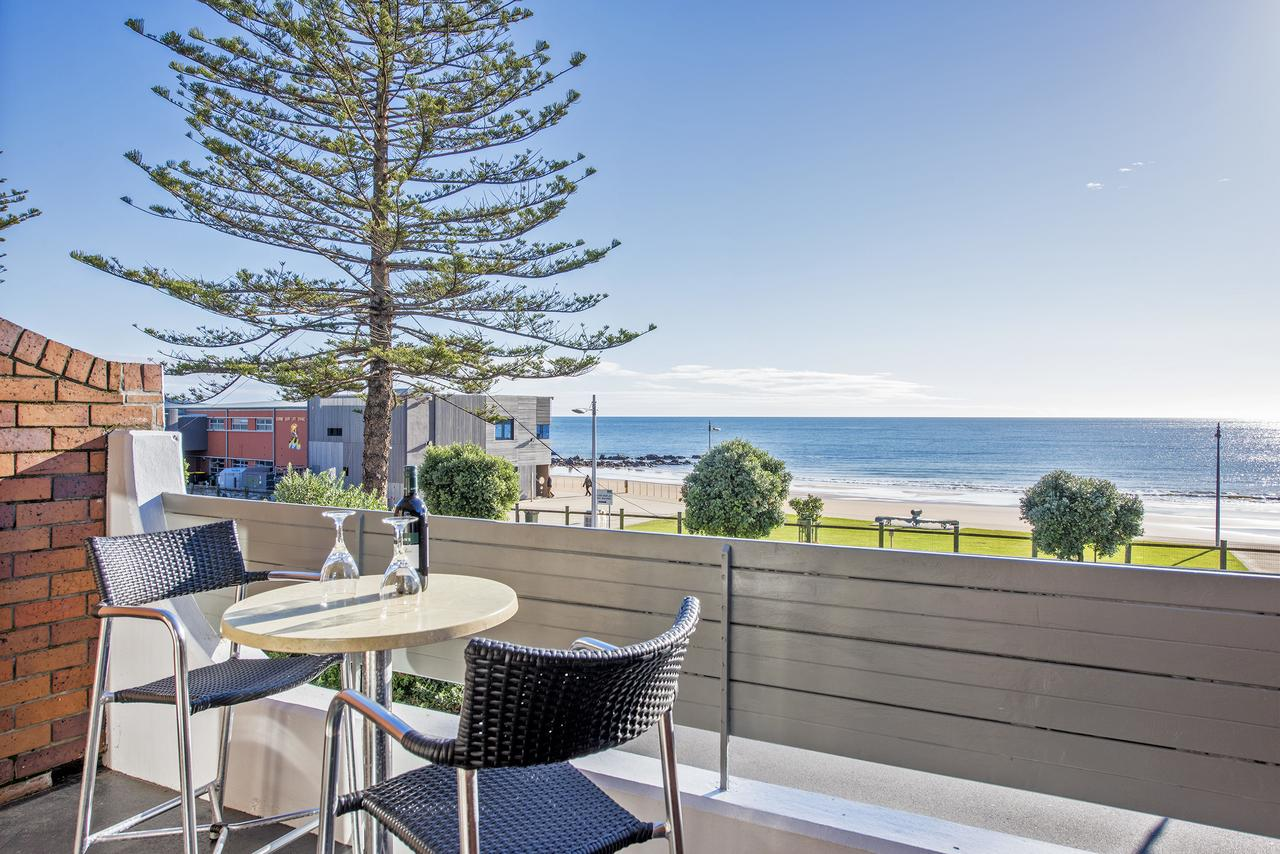 Beachfront Voyager Motor Inn - Redcliffe Tourism