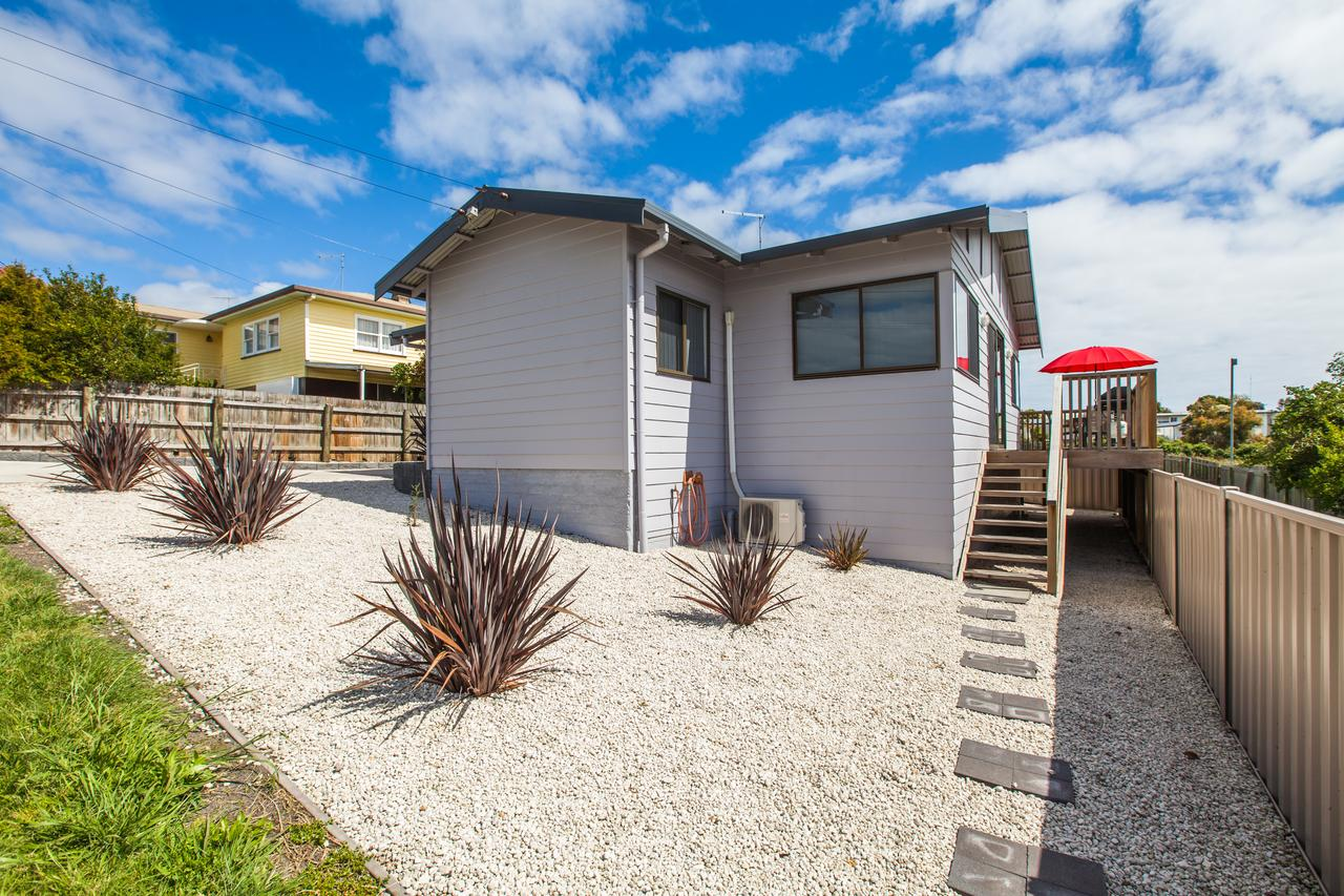 Bircoo Cottage Beach and Golf Getaway - Redcliffe Tourism