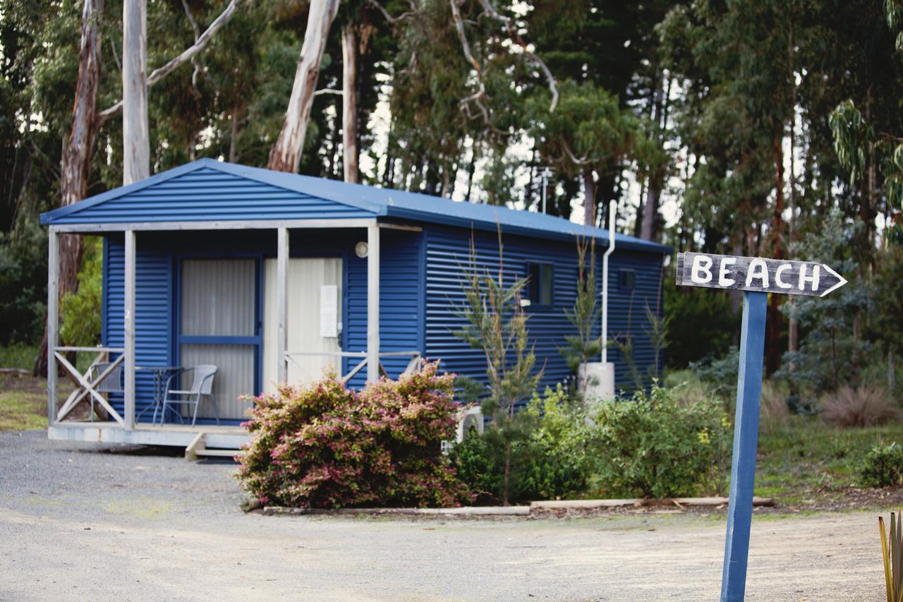 Seven Mile Beach Cabin and Caravan Park - Redcliffe Tourism