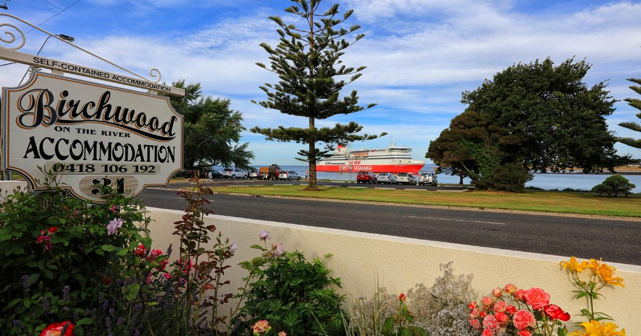 Birchwood Devonport self-contained self catering accommodation - Redcliffe Tourism