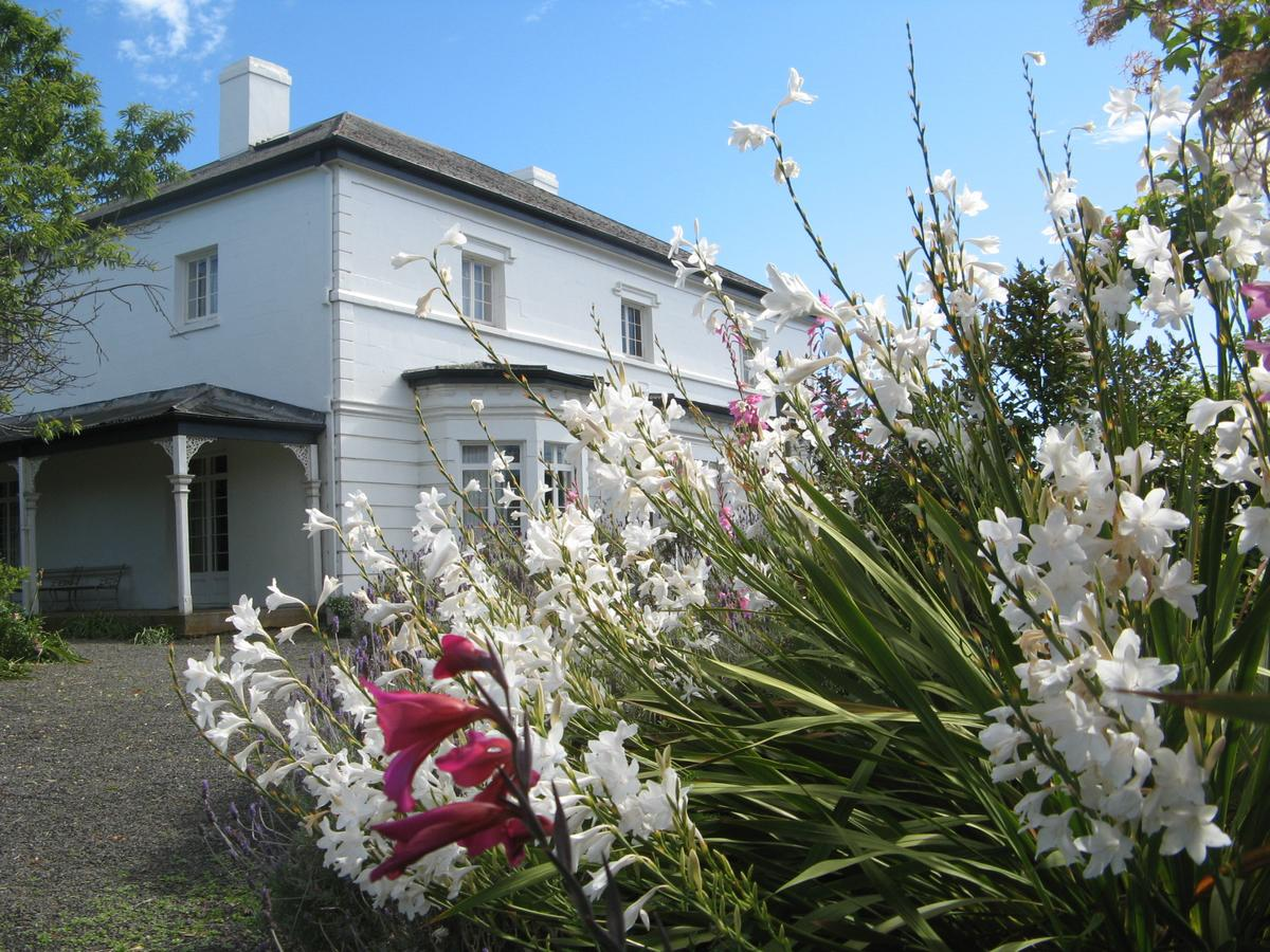 The Grove Cottages - Redcliffe Tourism