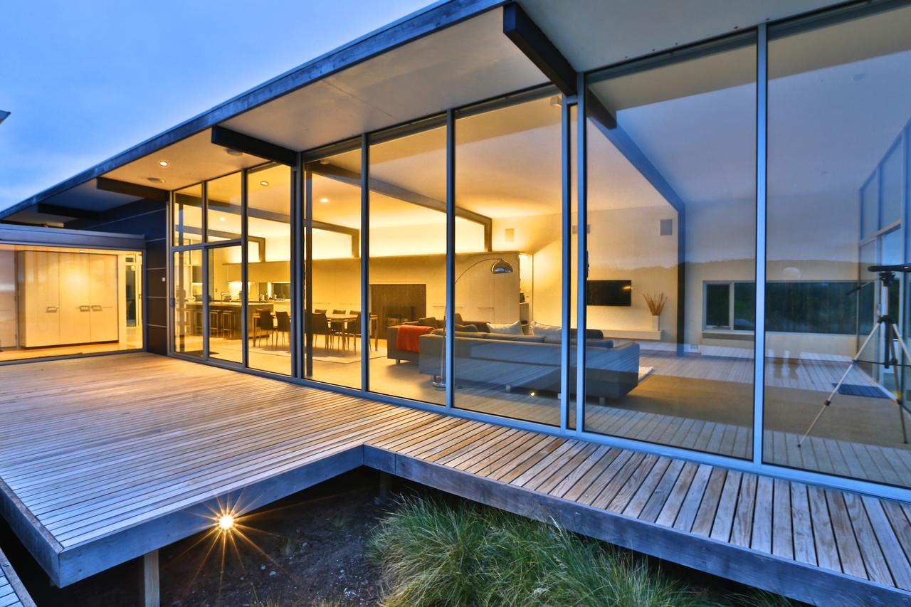 Cloudy Bay Beach House - Redcliffe Tourism