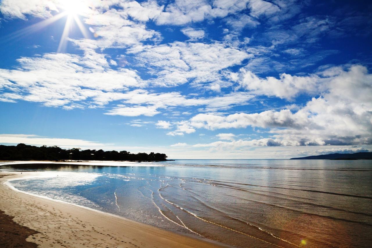 Hawley Beach Escape - Redcliffe Tourism