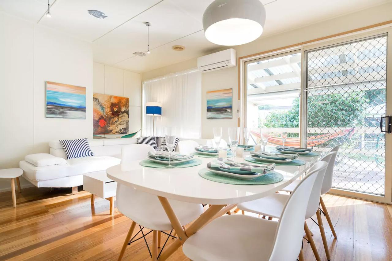 Nautique Beach House - Redcliffe Tourism