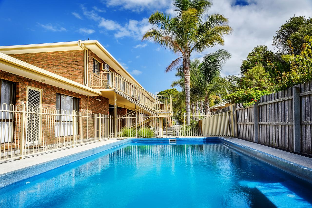 Allambi Holiday Apartments - Redcliffe Tourism