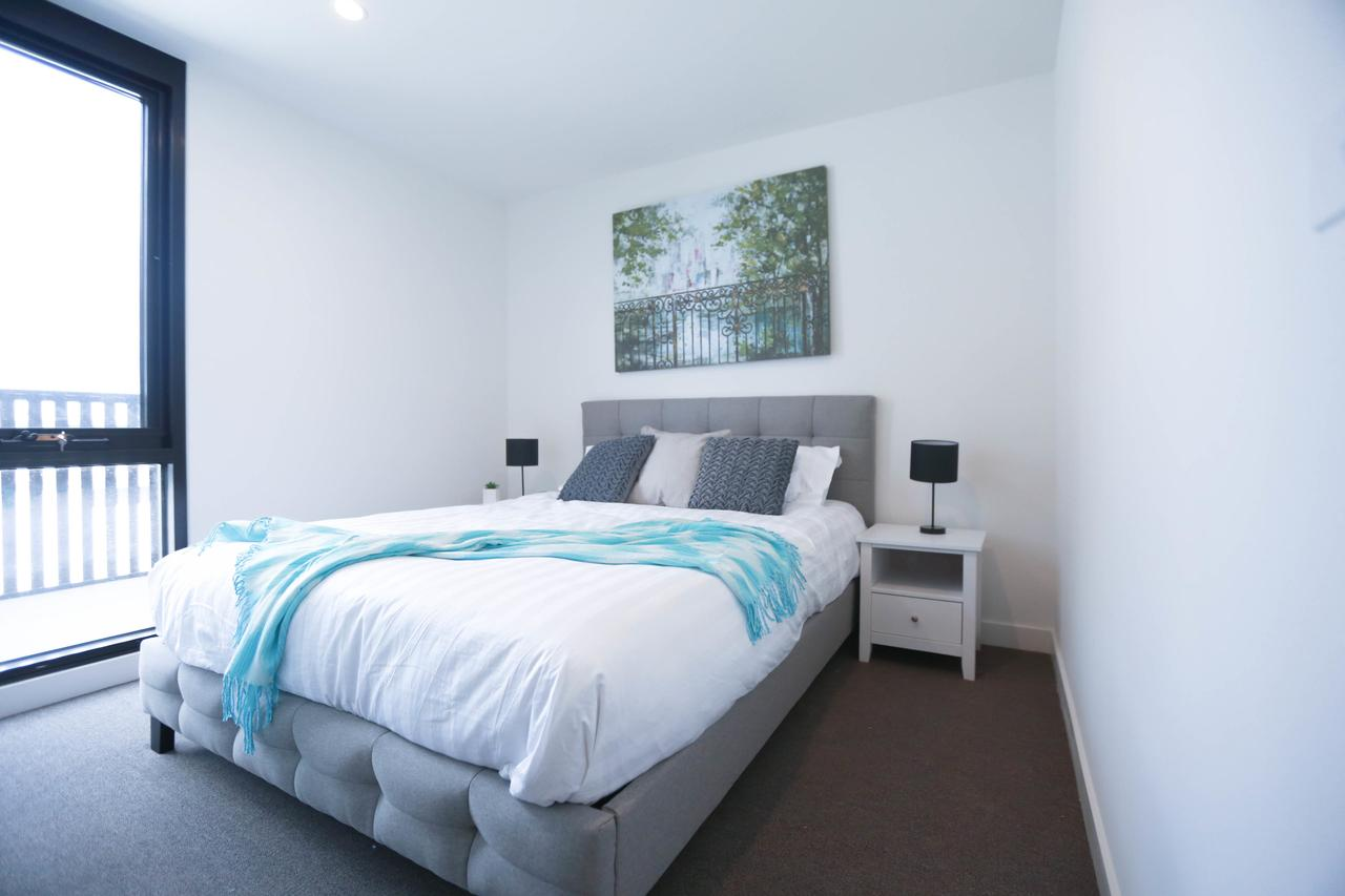 Box Hill 2 Bedroom Apt La Maison 02 - Redcliffe Tourism