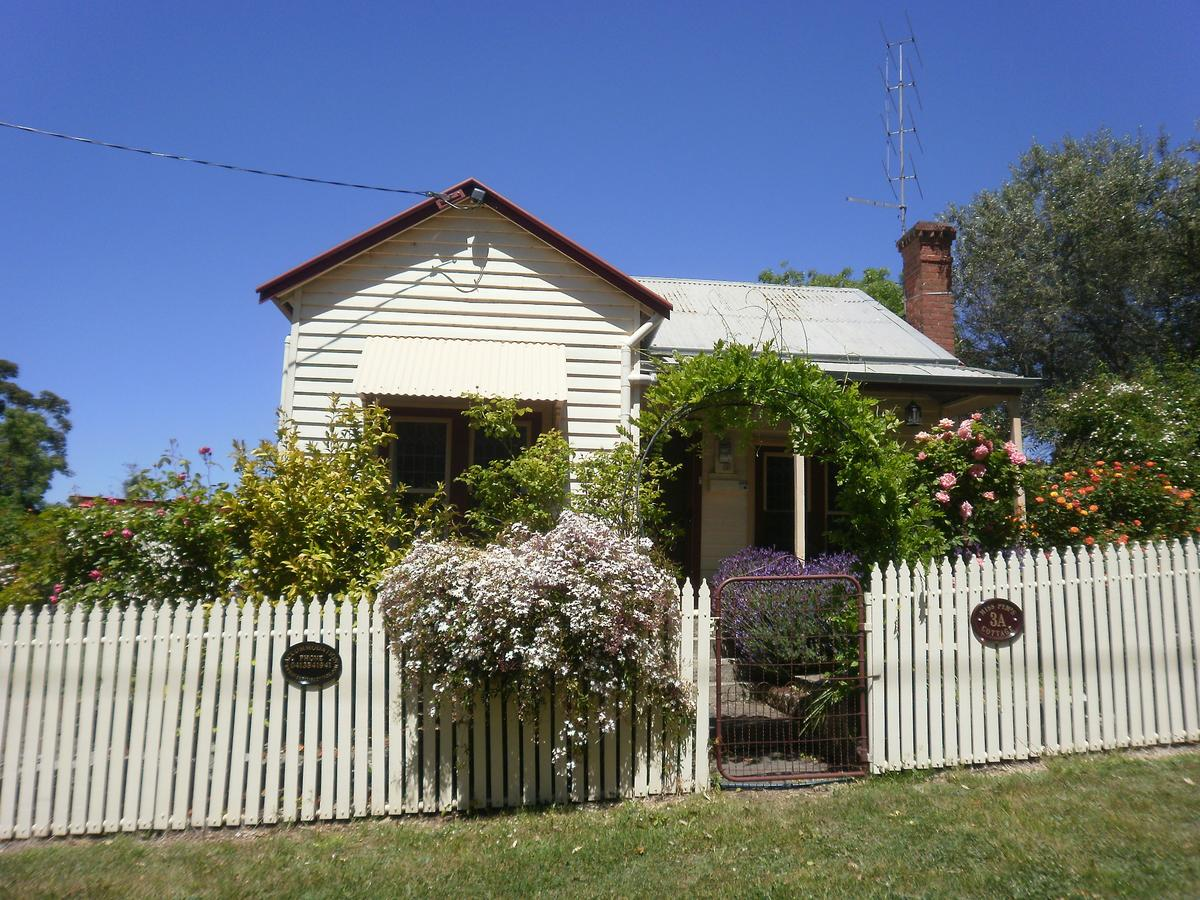 Miss Pym's Cottage - Redcliffe Tourism