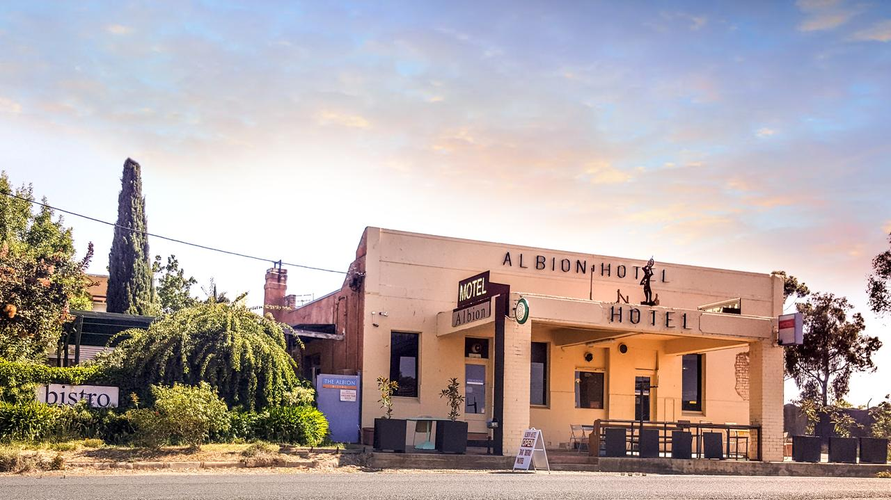 Albion Hotel and Motel Castlemaine - Redcliffe Tourism