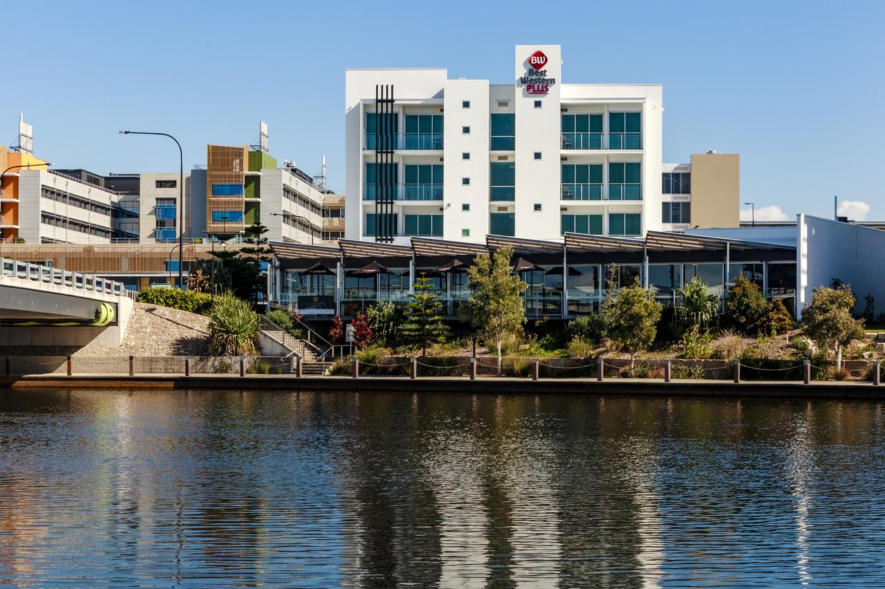 BEST WESTERN PLUS Lake Kawana Hotel - Redcliffe Tourism