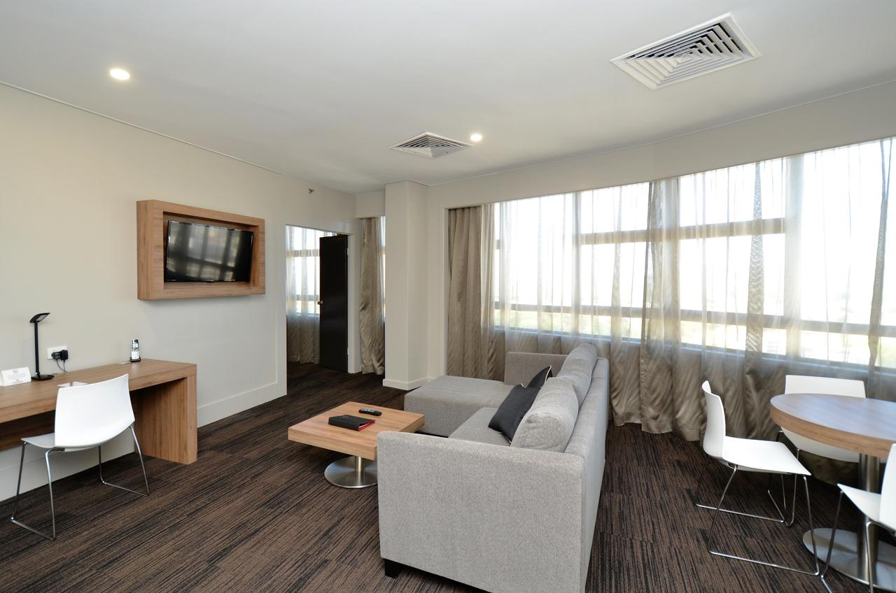 Hotel Grand Chancellor Townsville - Redcliffe Tourism