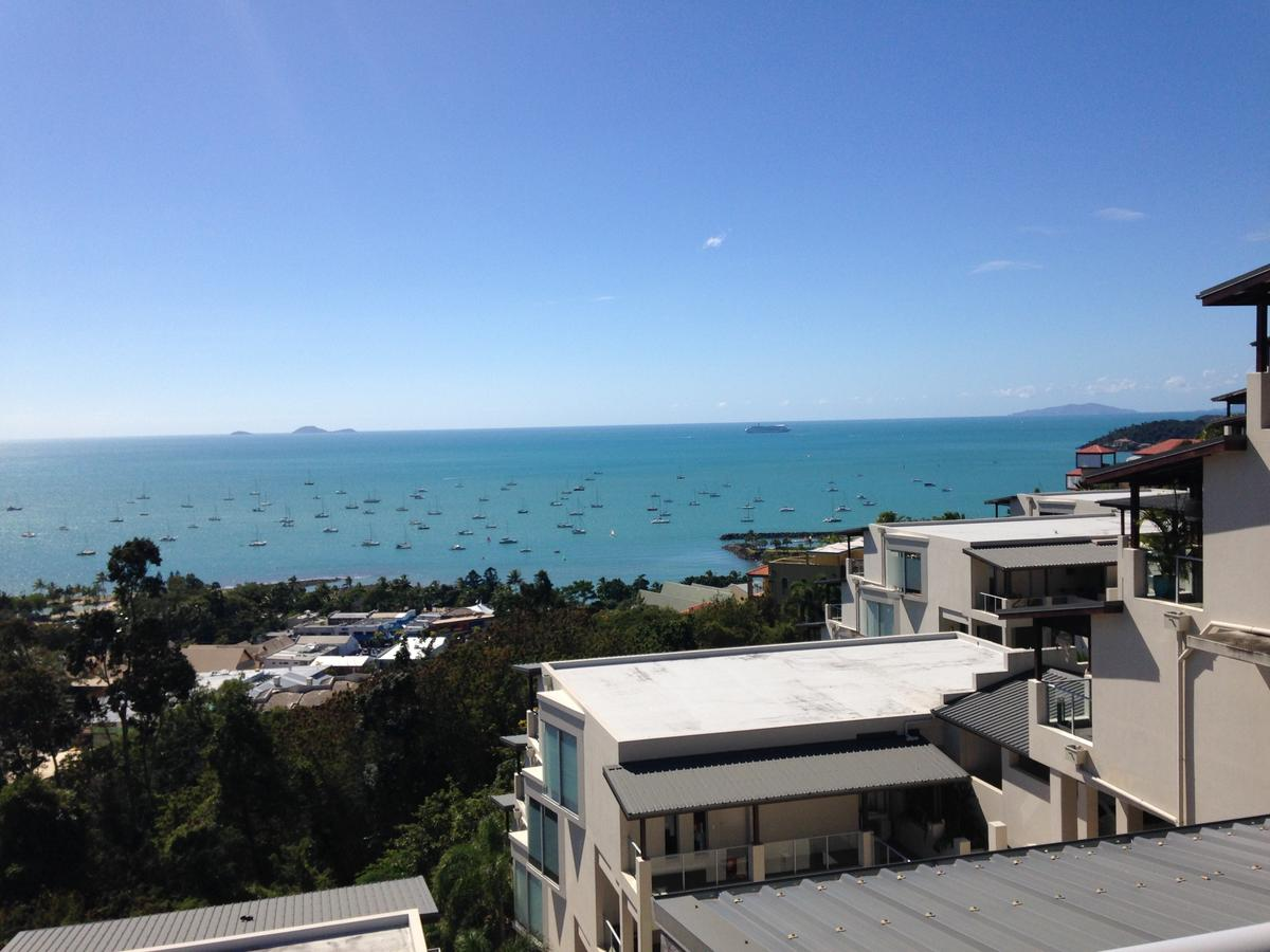 Whitsunday Reflections - Redcliffe Tourism