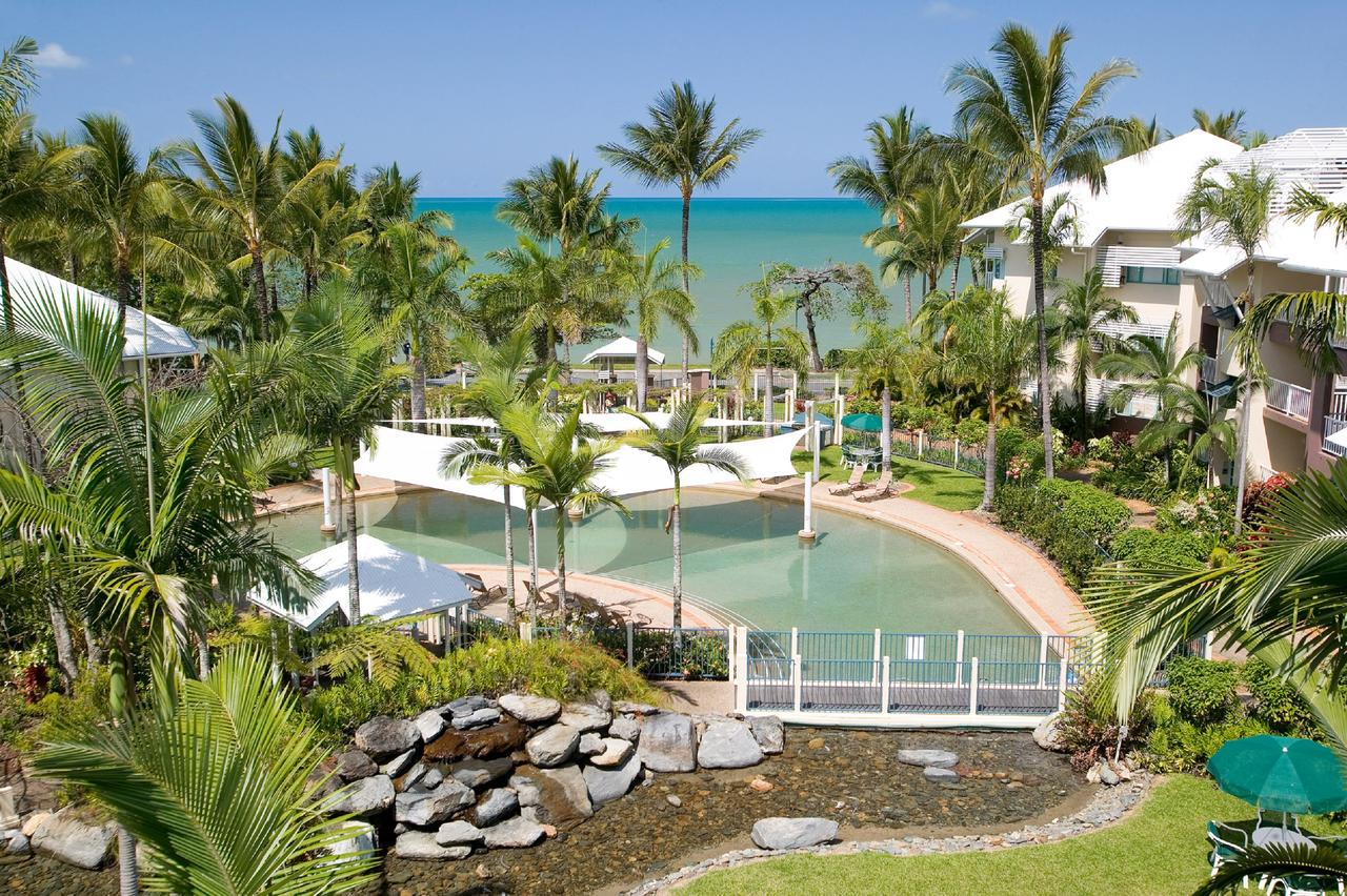 Coral Sands Beachfront Resort - Redcliffe Tourism