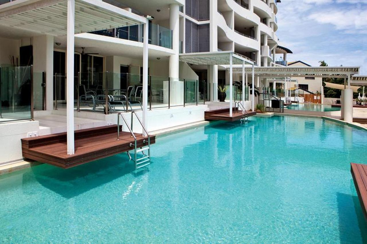 Waters Edge Apartment Cairns - Redcliffe Tourism