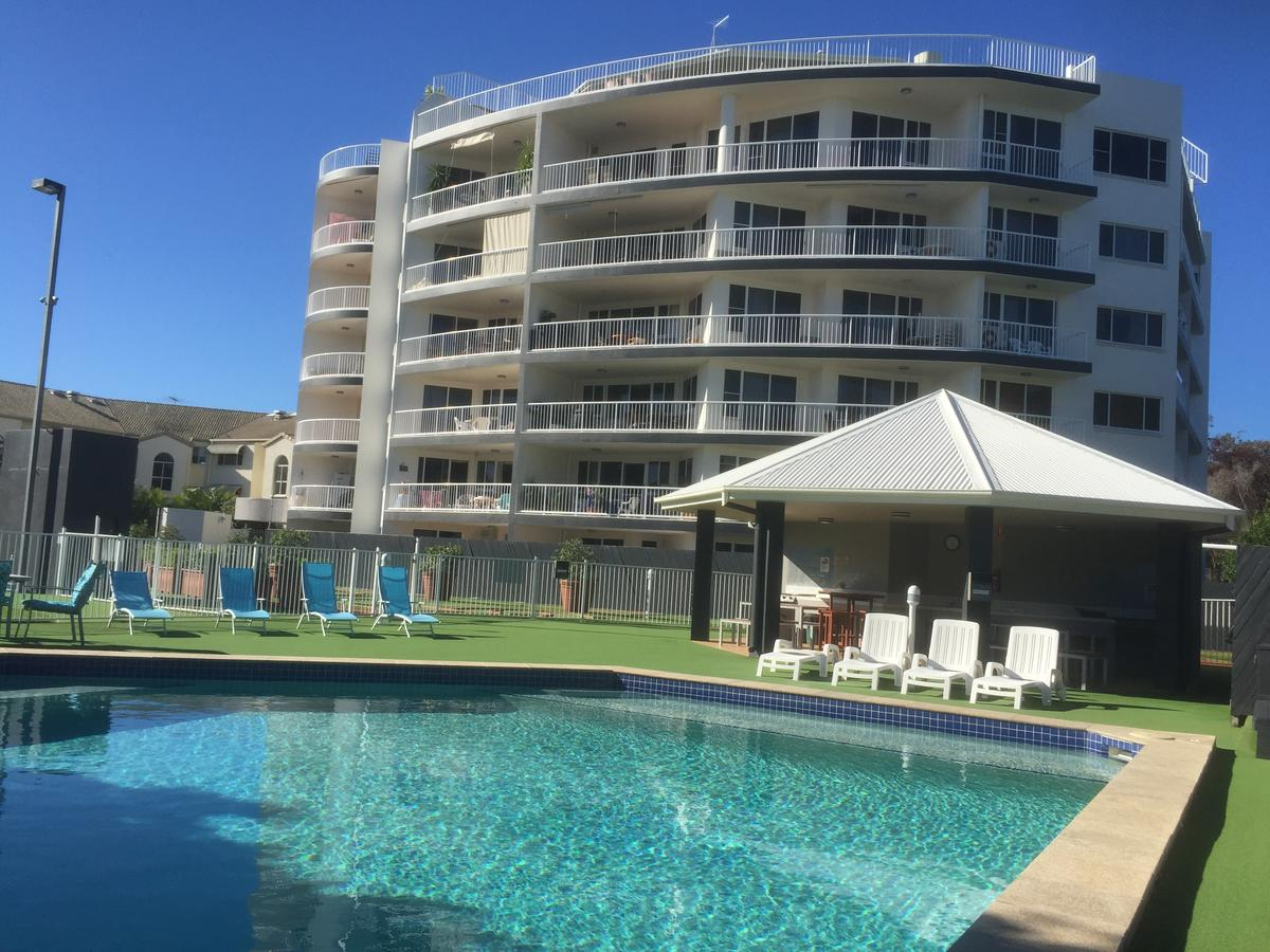 Fairways Golf  Beach Retreat - Redcliffe Tourism