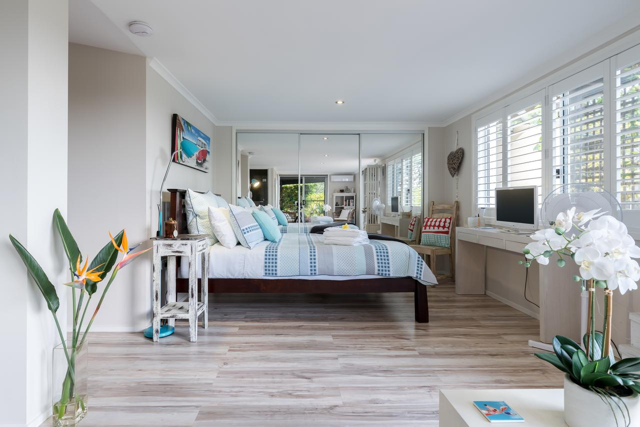 Private guest suite high on Currumbin hill - Redcliffe Tourism