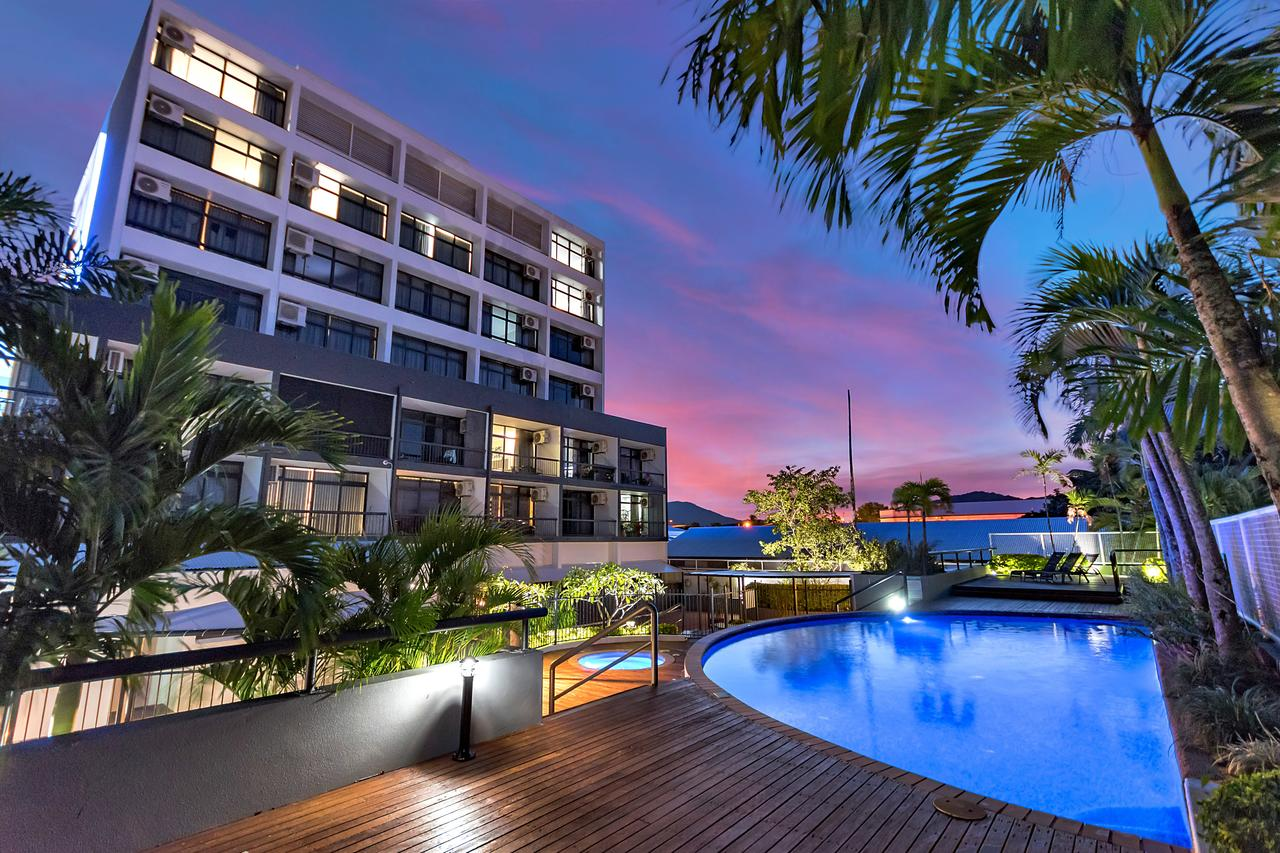 Sunshine Tower Hotel - Redcliffe Tourism