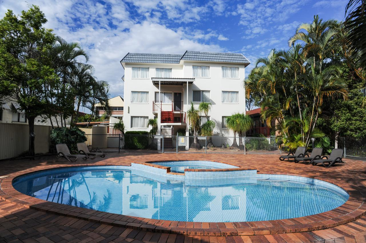 Earls Court Motel  Apartments - Redcliffe Tourism