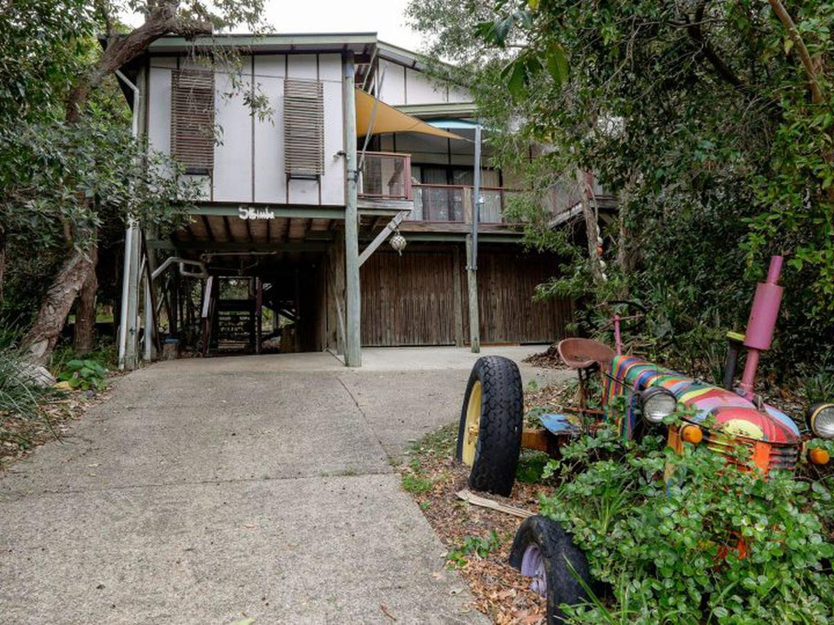 Five Bimba Tractor House - Redcliffe Tourism