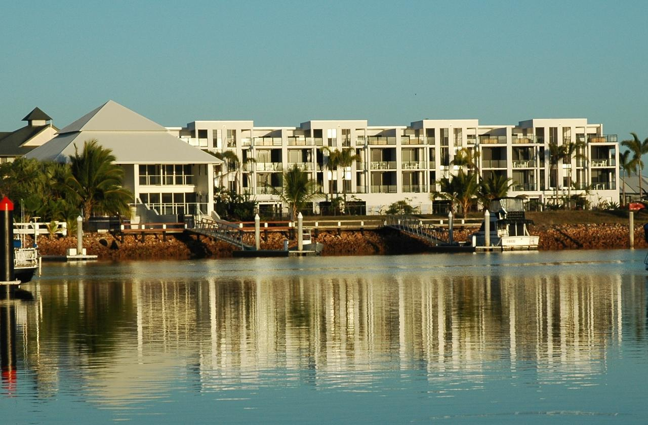 Hinchinbrook Holiday Apartments - Redcliffe Tourism