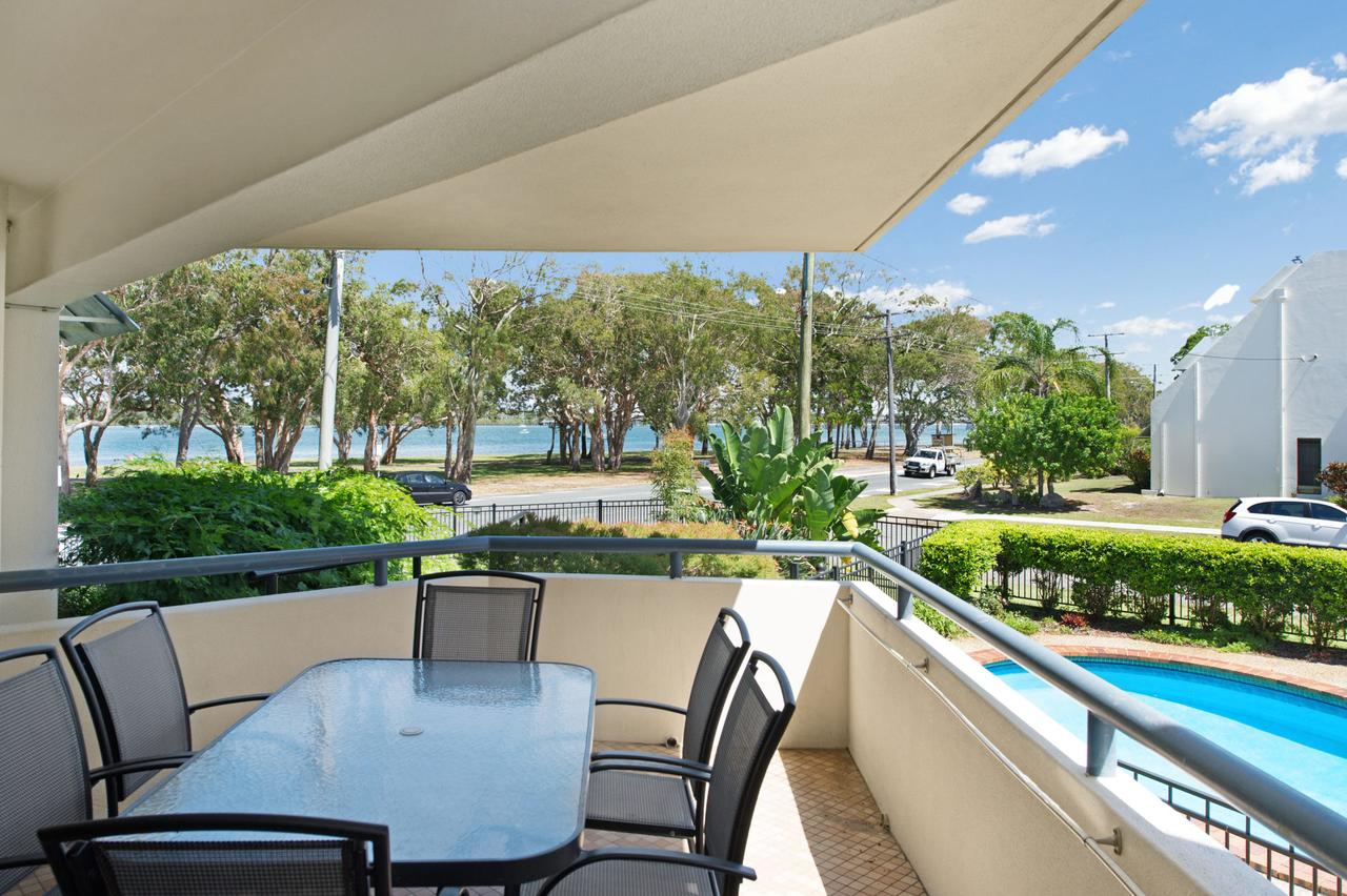 Everything you need including a pool Karoonda Sands Apartments - Redcliffe Tourism