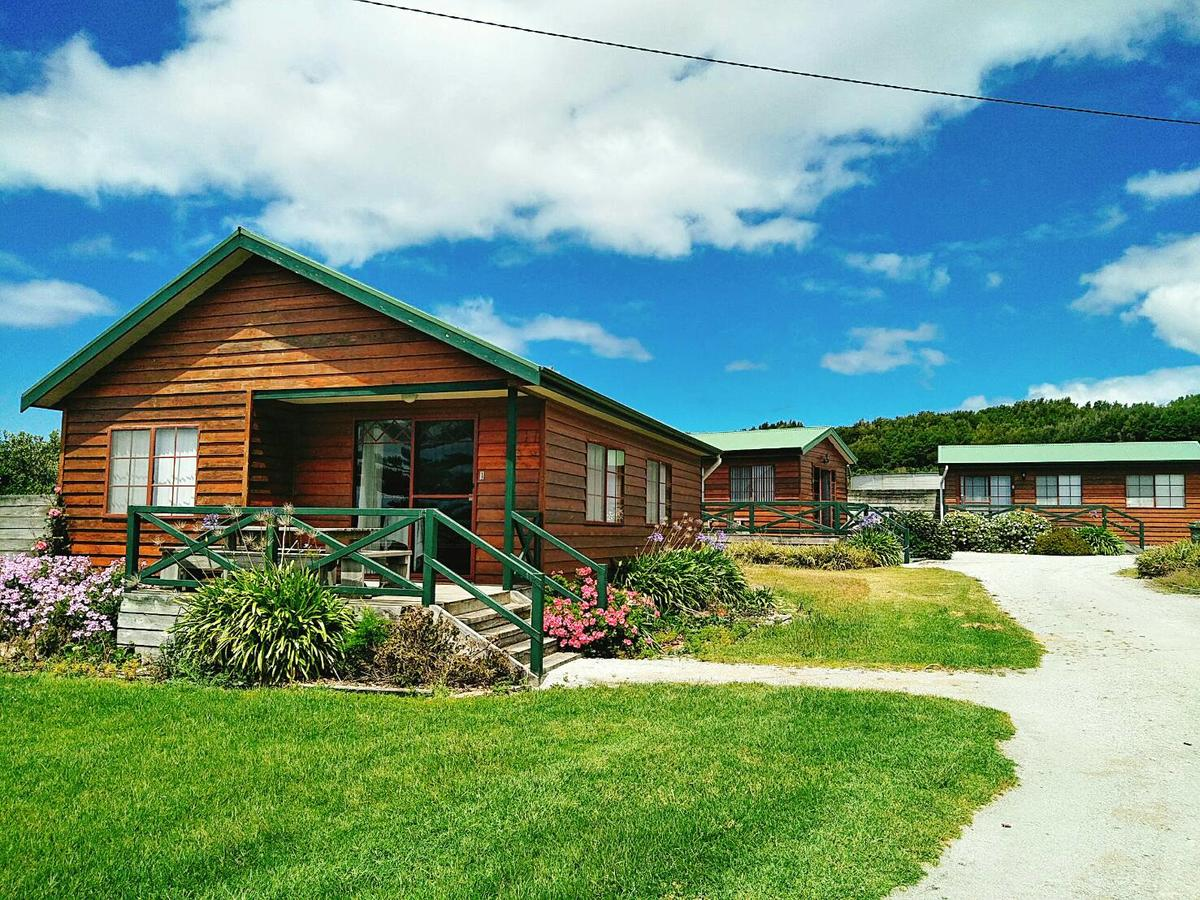 Baudins Accommodation and Restaurant - Redcliffe Tourism