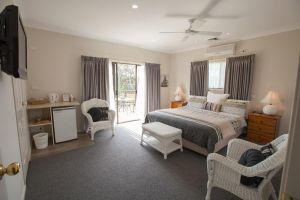 Batemans Bay Manor - Bed and Breakfast - Redcliffe Tourism